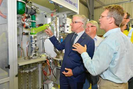 Michael McCormack mp, Ken O'Dowd mp and Tim Rose, managing director Northern Oil Refineries.