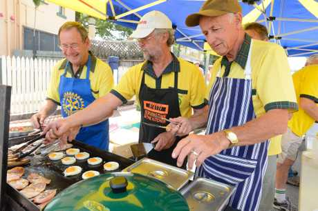 Maclean Rotary chefs du jour (from left) Ken Ford, Geoff Pitson and Glenn Brown are at the Maclean MacMarkets on Saturday, 7th January, 2017