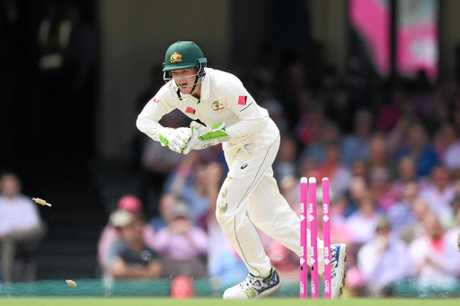 Peter Handscomb during a stint behind the stumps in Sydney.