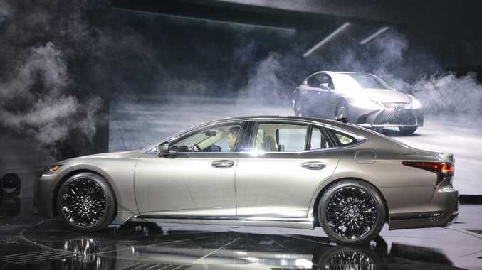 Lexus LS at the 2017 International Auto Show, Detroit