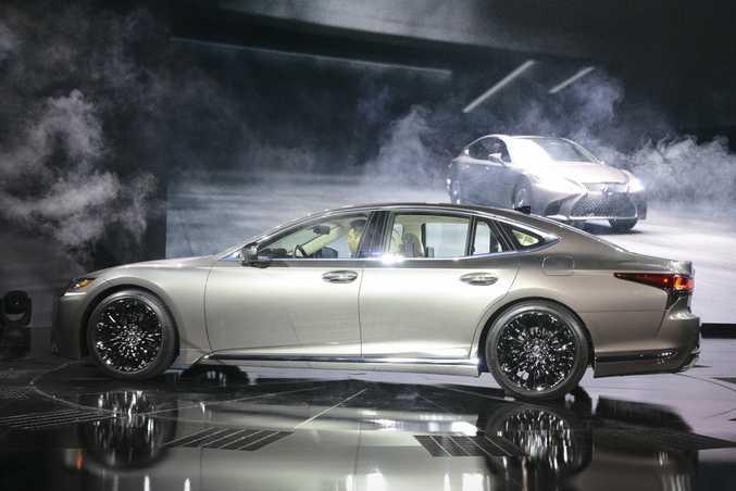 Lexus LS at the 2017 International Auto Show, Detroit