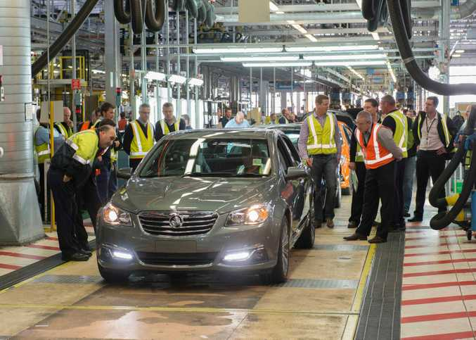 VF Commodore begins regular production in 2013 at the Elizabeth plant. Calais V first down the line.