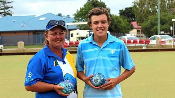 Summerland singles silver winner Dee Robertson and gold winner Jono Davis.