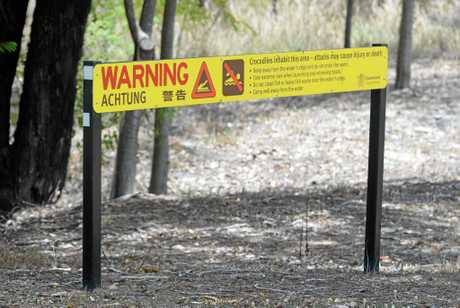 Crocodile warning sign adjacent to the Fitzroy River
