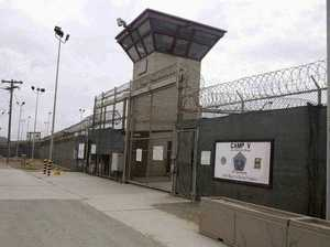 Barack Obama releases 10 inmates from Guantanamo Bay
