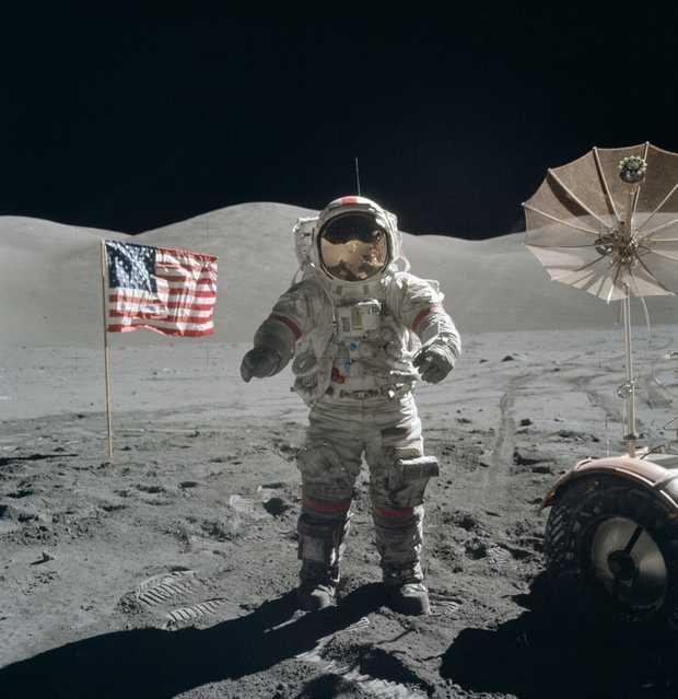 History-maker and NASA moon mission pilot Gene Cernan has died aged 82.