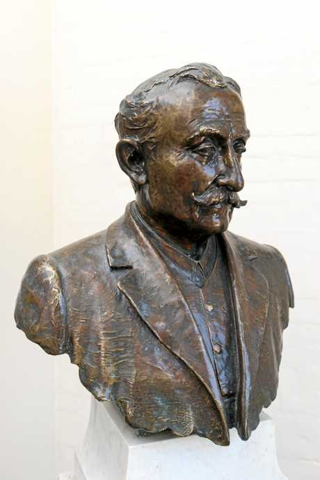 A bust of Dr Thomas May, founding father of Bundaberg Hospital, sits in the hospital's C Block today.