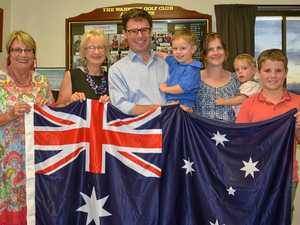 MP presents Australian Flag to Warwick Golf Club