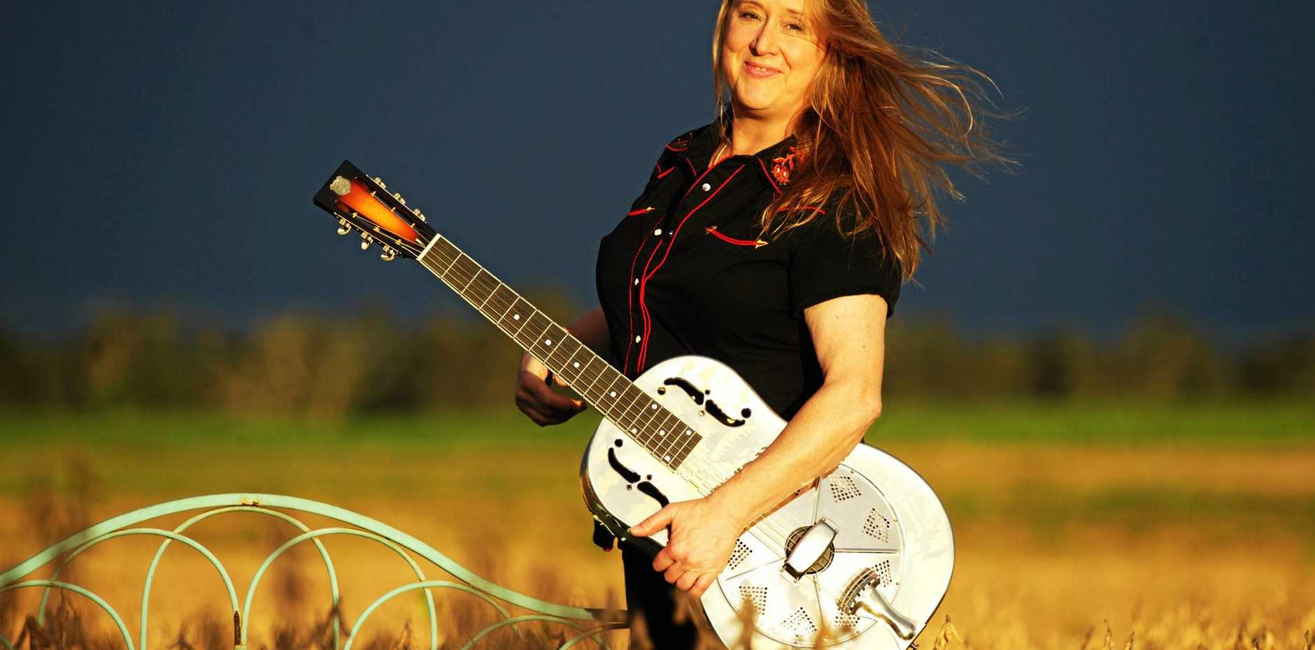 Catch the incredible Fiona Boyes live at Yamba's Pacific Hotel on Sunday afternoon.