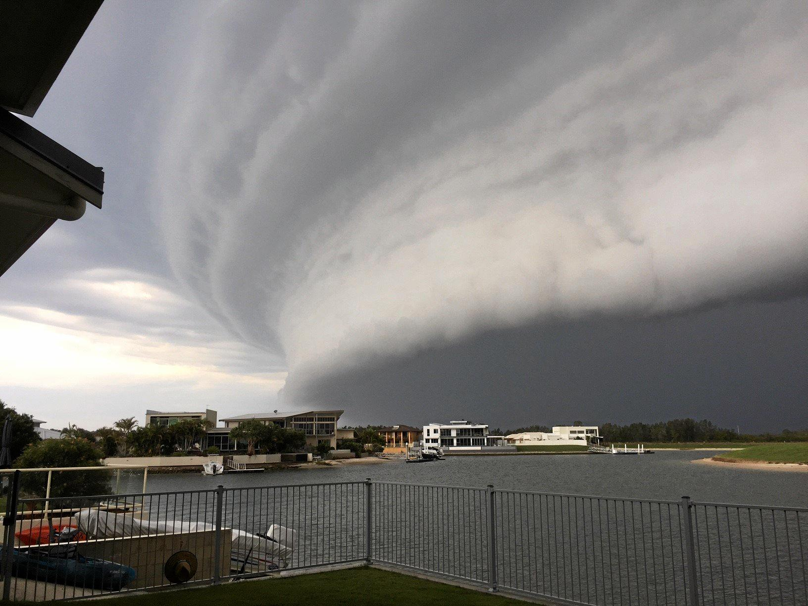 Here are some photos of a storm front that just hit Yamba at 6.45pm tonight. Amazing!
