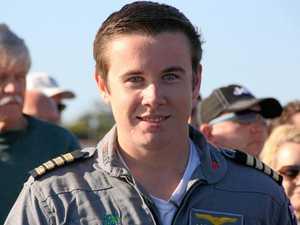 Teenage pilot accepts Outstanding Achievement Award