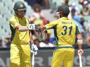Records tumble as Aussies pile misery on Pakistan