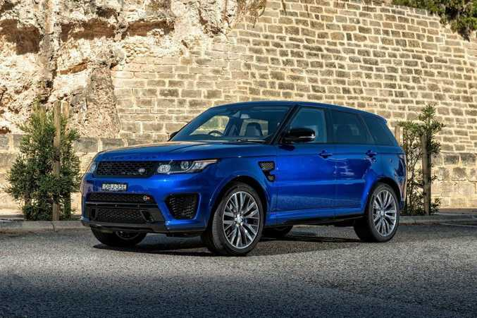 BALLISTIC: Rangie SVR is tested from 0-100kmh across sand, mud and even snow...and it's still very quick