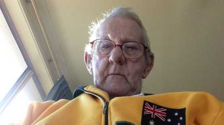 South Australian pensioner Ray Johnstone has melted hearts across the country after posting a heartbreaking request online for a new fishing buddy.