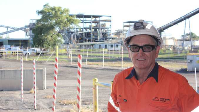 New Acland wash plant maintainer Will Besgrove has been inducted into the New Hope 25 Year Club.
