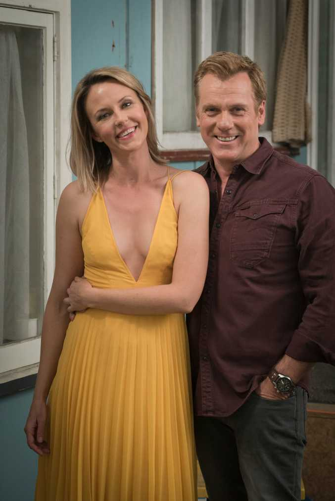 Michelle Langstone and Erik Thomson star in the TV series 800 Words.