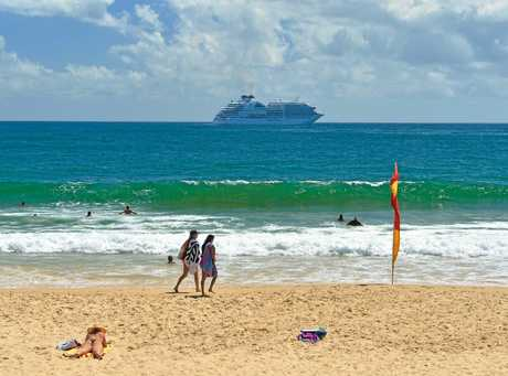 Seabourn Encore decides to sail away because sea conditions \