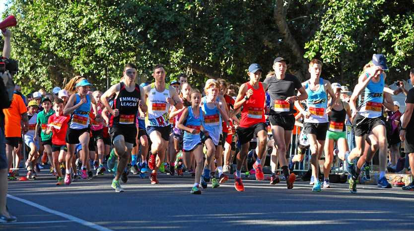 Start of The Empire and Edge Apartments and Hotel 5lm. CTC Rocky River Run 2016 . Photo Sharyn O'Neill / Morning Bulletin