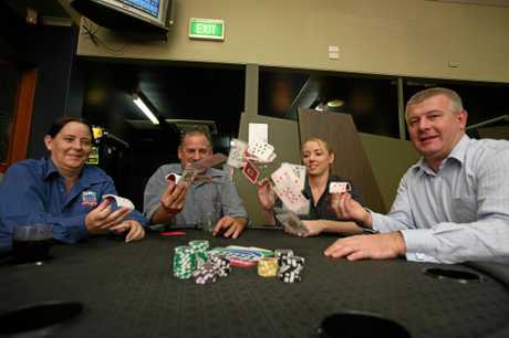Allan McLauchlan (second from left) with Nellie Woodhouse (right), Nikki Trembarth and Sean Everett at the North Queensland Poker Championships in 2010.
