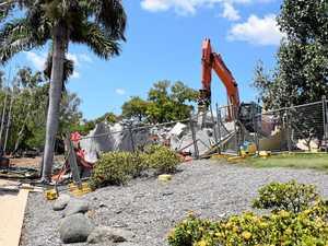 'Sai-gone Sai-gone': Riverbank restaurant torn down