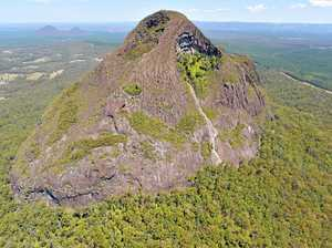 Rescue crews on standby at Mt Beerwah