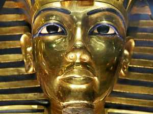 Experts resume search of Tutankhamun's tomb