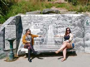 The Travelin Chicks blog about their weekend in Dunedin. Here's the bench seat at the top of Baldwin St.