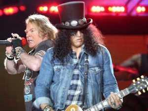 Guns N' Roses booed after slip of tongue at MCG concert