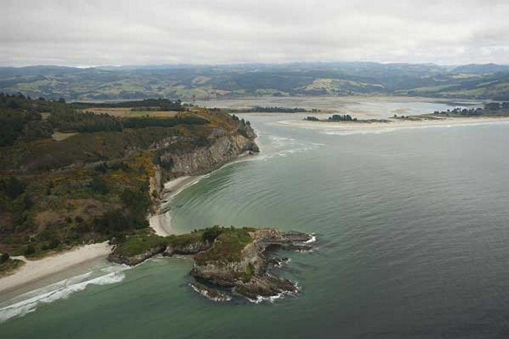 Just 25km from Dunedin is Blueskin Bay.