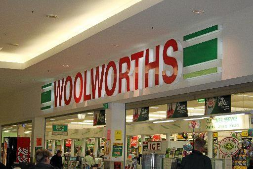 Wooworths will not be introducing self-serve checkouts in the near future to its Warwick store.