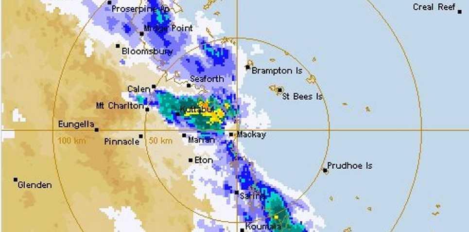 Bom Radars Show Storm Cell Moving Over Mackay Daily Mercury