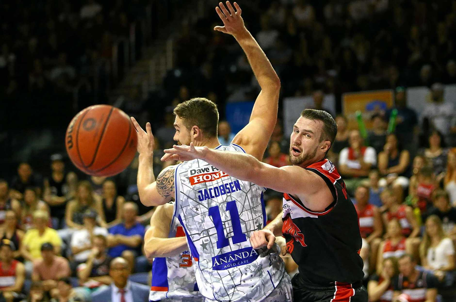 WOLLONGONG, AUSTRALIA - FEBRUARY 19:  Andrew Ogilvy of the Hawks passes during the second NBL Semi Final match between Illawarra Hawks and the Adelaide 36ers at WIN Entertainment Centre on February 19, 2017 in Wollongong, Australia.  (Photo by Mark Nolan/Getty Images)