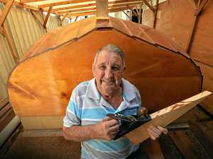 82-year-old's quest to build 17 foot boat
