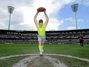 AFL great slams centre bounce 'whingers'