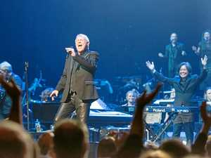 John Farnham will headline the Red Hot Summer Tour.