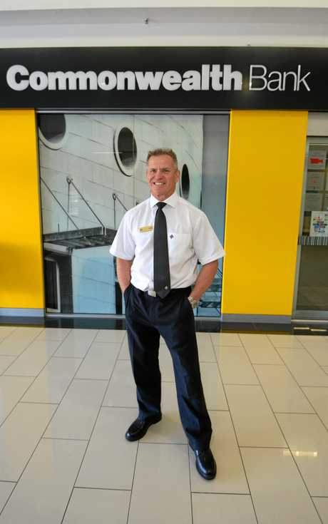 Ron Thompson has been recognised for his 35 years service in the Commonwealth Bank.