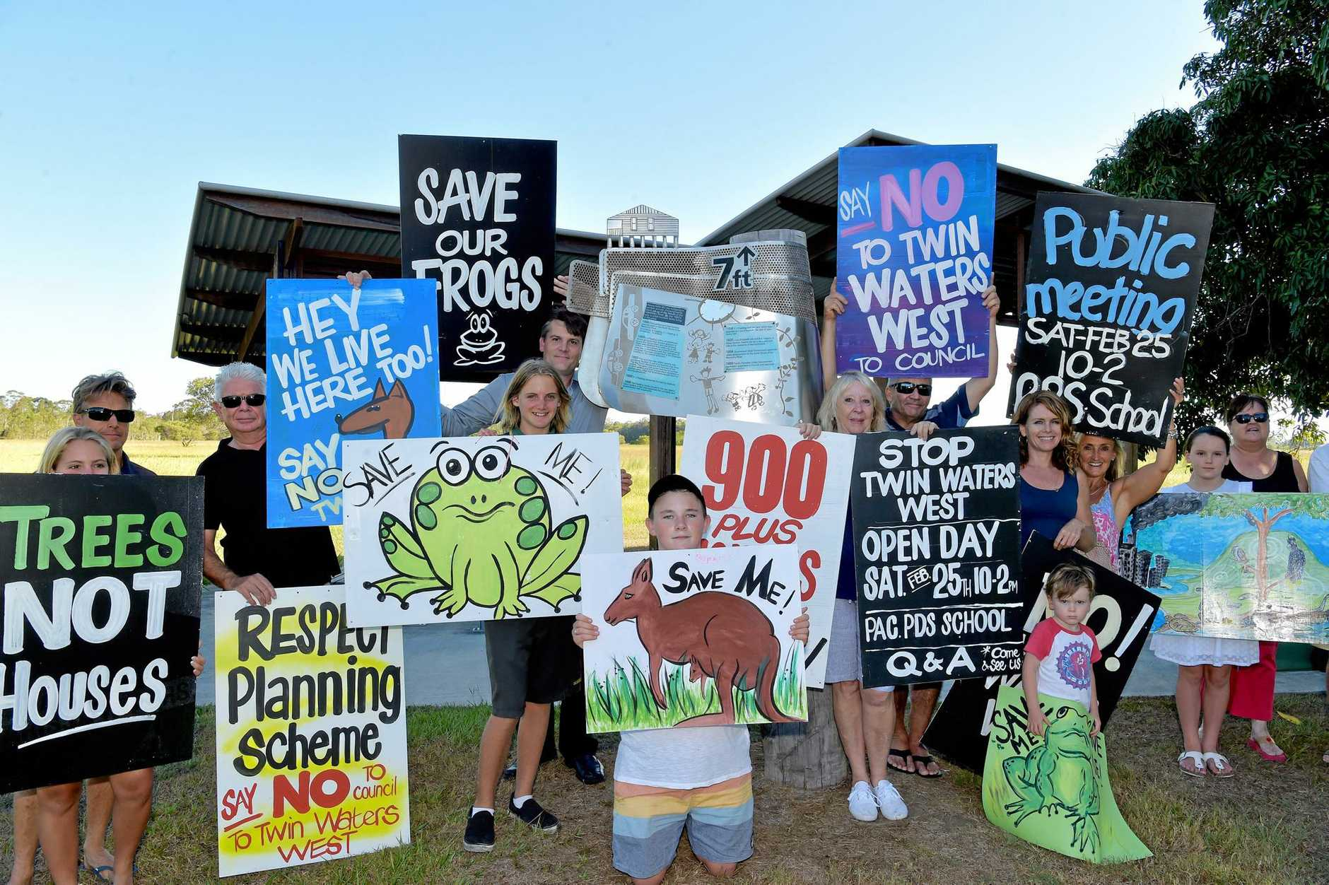 OPPOSITION to proposed north shore planning scheme amendments was further bolstered by a rally at Pacific Paradise on Saturday.