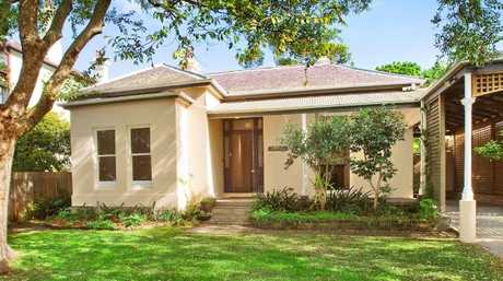 This house in Sydney's eastern suburbs sold at auction for $800,000 more than its reserve price.