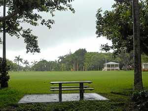 Mum, kids catch man 'exposing his bits' in Mackay park