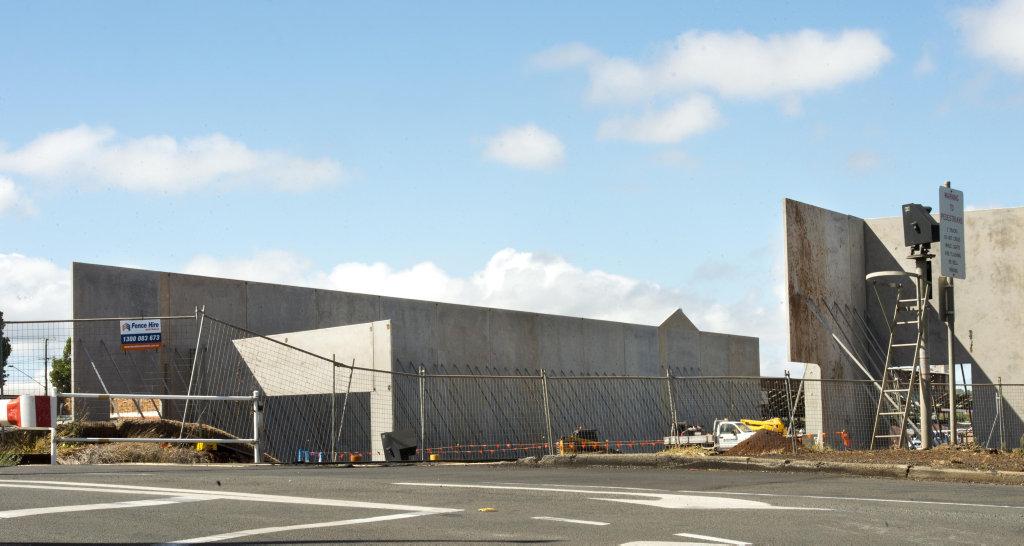 PHOTOS: New Toowoomba Bunnings Warehouse goes up