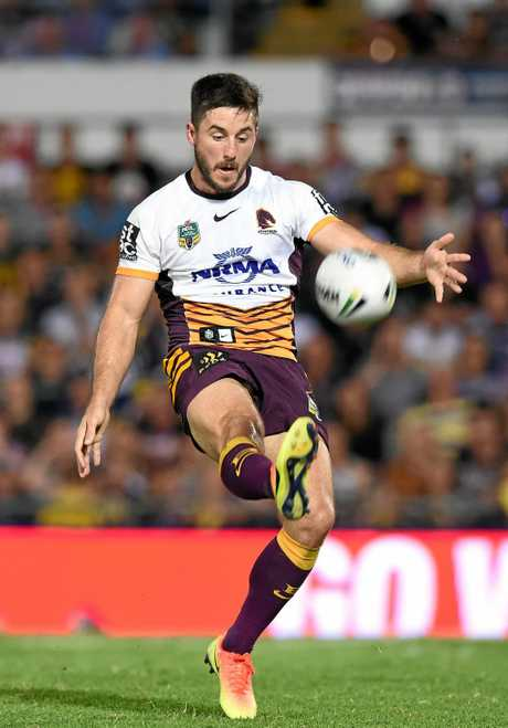 Broncos player Ben Hunt  during the NRL semi-final match between the North Queensland Cowboy's and the Brisbane Bronco's at 1300 Smiles Stadium in Townsville , Friday, Sept. 16, 2016. (AAP Image/Dave Hunt) NO ARCHIVING, EDITORIAL USE ONLY