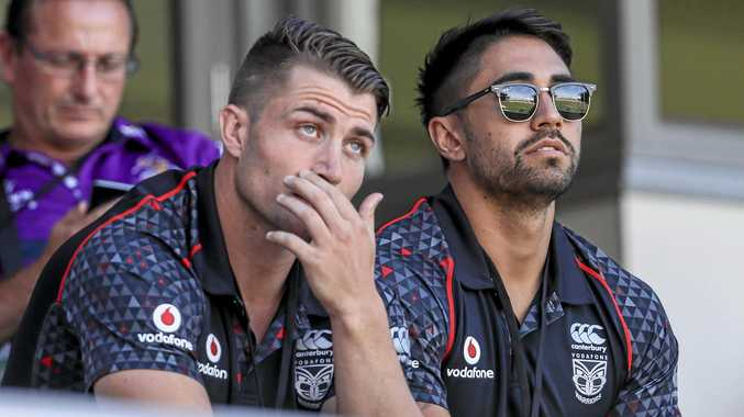 Kieran Foran (L) and Shaun Johnson of the Warriors.