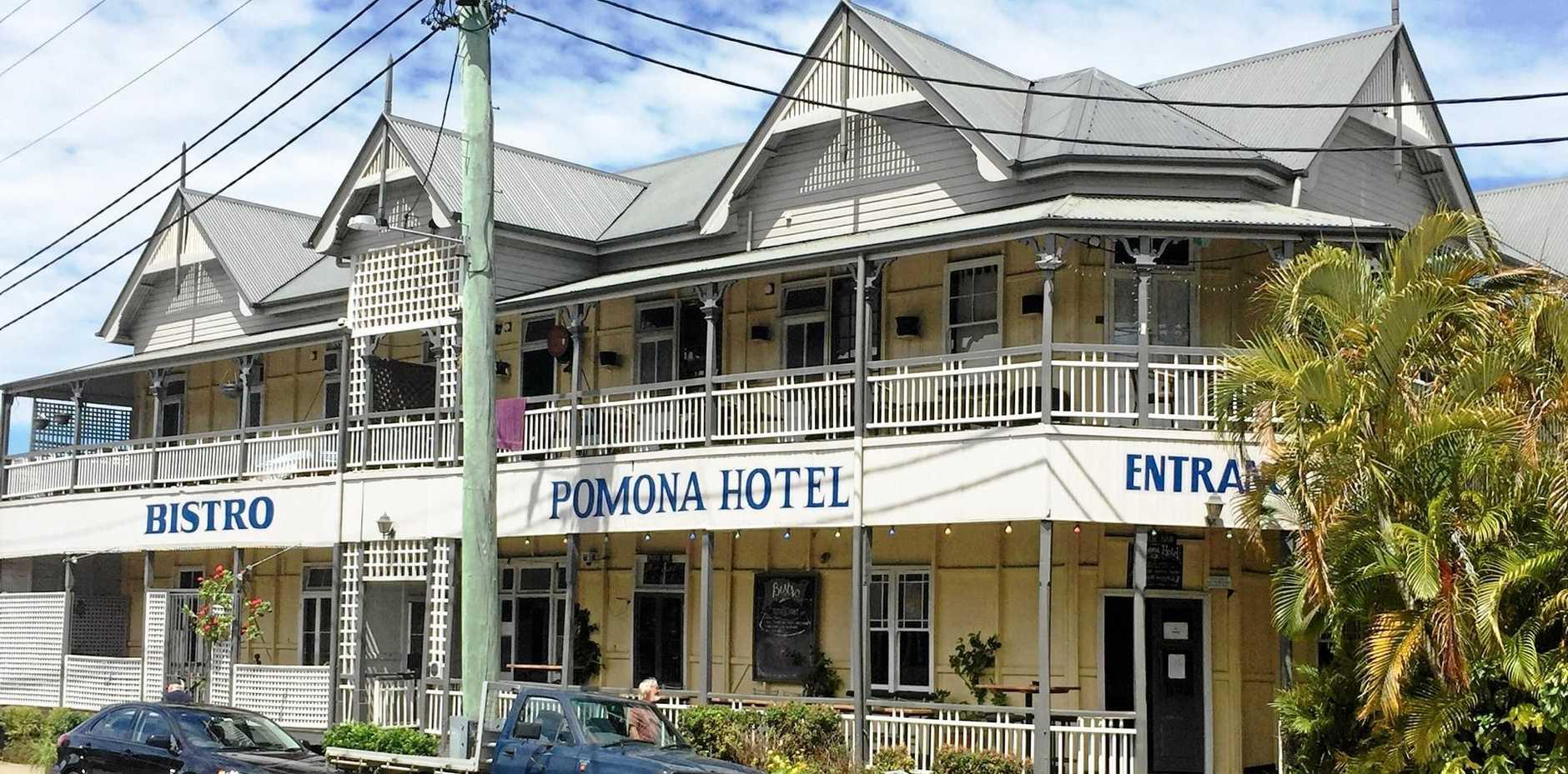 A classic Queenslander pub, the Pomona Hotel.