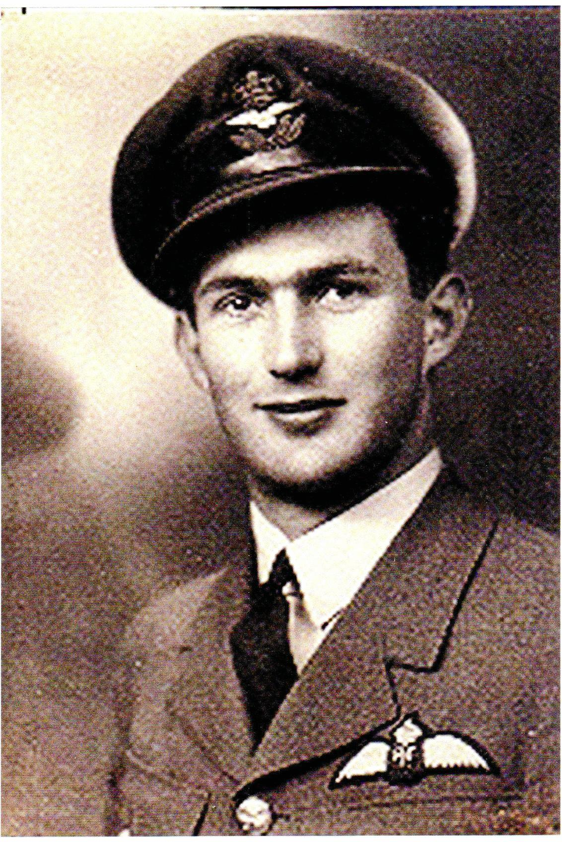 Kenneth Alan Wilkinson served during the Second World War.