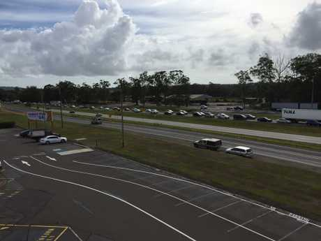 Tania Ford posted this photo in Sunshine Coast Traffic QLD of cas backed up on the Bruce Hwy