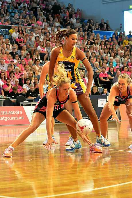 Adelaide's Erin Bellahead of Lightning's Geva Mentor at the Adelaide Thunderbirds v Sunshine Coast Lightning at Priceline Stadium, Mile End picture: Bianca De Marchi