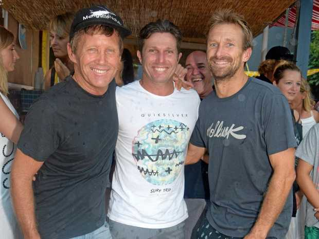 KIRRA CHALLENGE: Boardriders president Neil Cameron and competition director Danny Wills with Kieren Perrow.