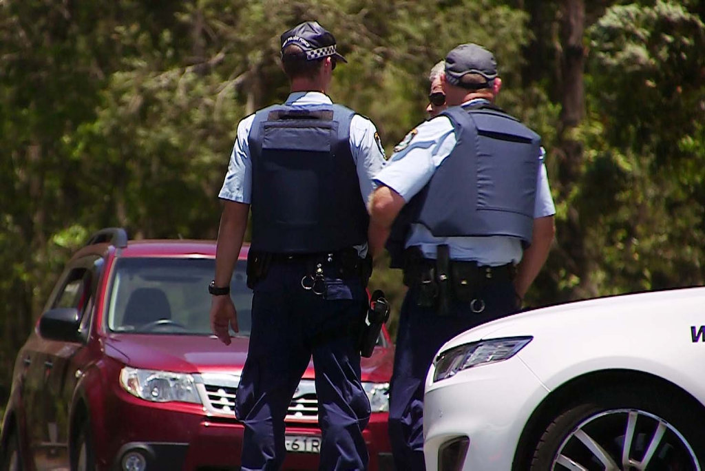 Shotgun pointed at police south of Coffs Harbour Sunday, 11 December 2016.