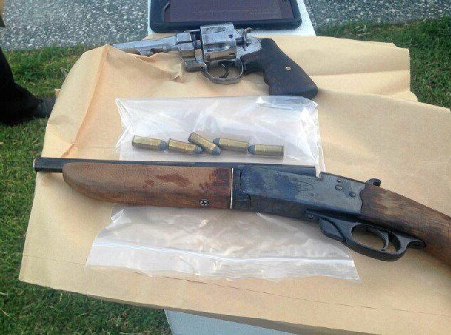 Crime car seizes knuckle dusters, guns, flick knife | Gatton