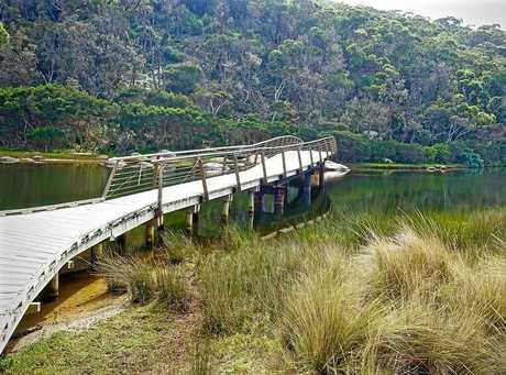 WILSONS PROMONTORY: Tidal River Footbridge Wilsons Promontory Boardwalk.